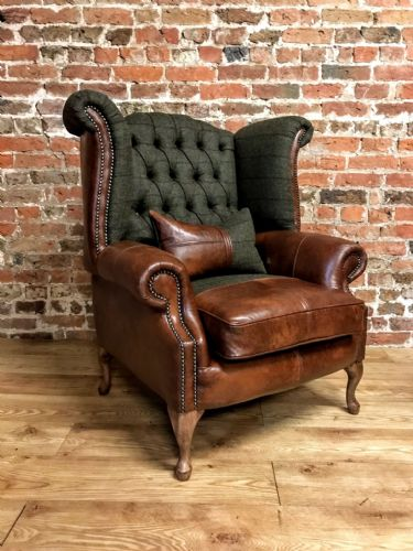 Hunting button back Armchair